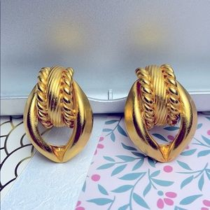 ⚜️Je❤️Vintage ⚜️gold plated earrings